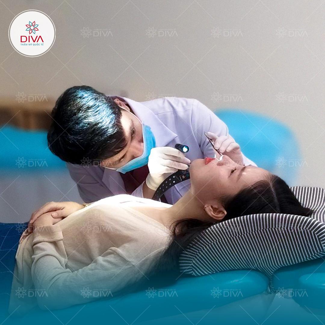 Khách hàng tái khám, chăm sóc hậu phẫu đều đặn theo chỉ dẫn tại DIVA