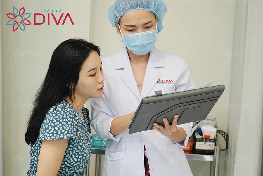 Thăm khám kỹ lưỡng và đảm bảo bác sĩ thực hiện có tay nghề cao sẽ giúp nâng cao tỷ lệ an toàn của cấy mỡ .